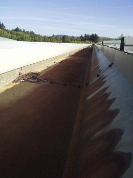 1. Holdsworth Roofing Gallery: Lining of industrial metal gutters 01